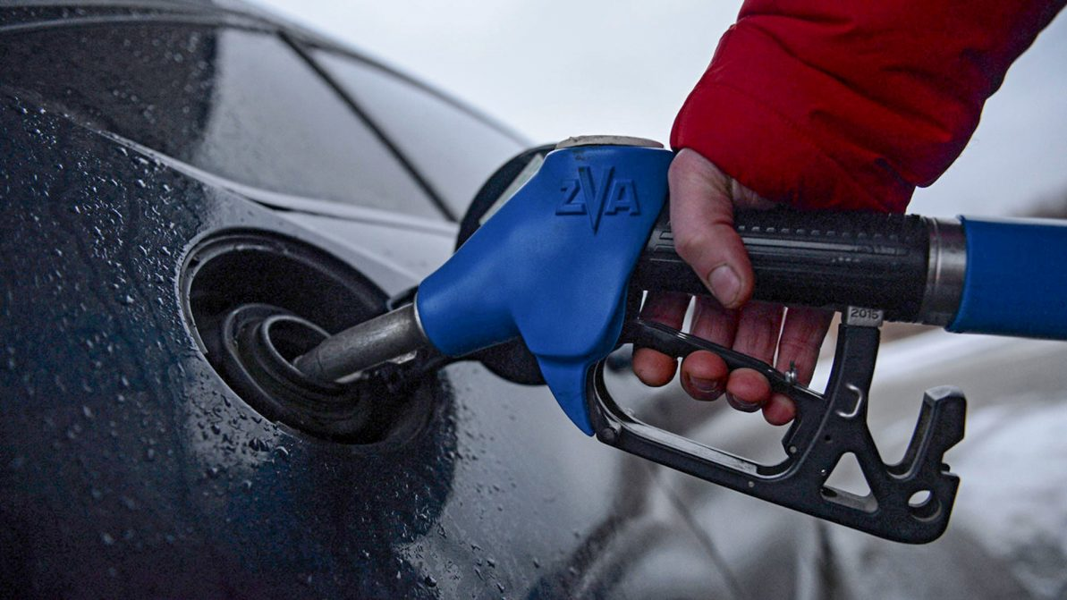 Бензин по 240 тенге: фантастика или реальность?