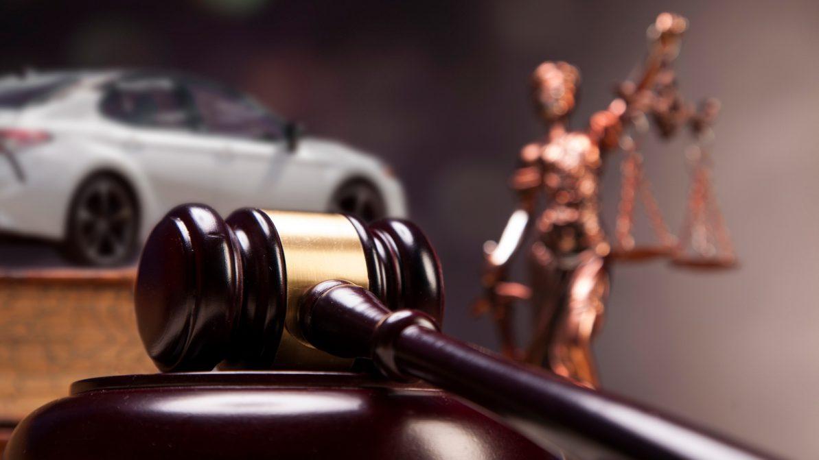 Деньги по страховке автовладельцы стали получать быстрее