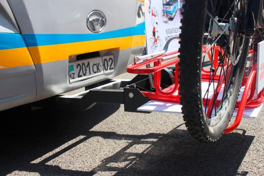 Из-за крепления для велосипеда оштрафовали водителя автобуса