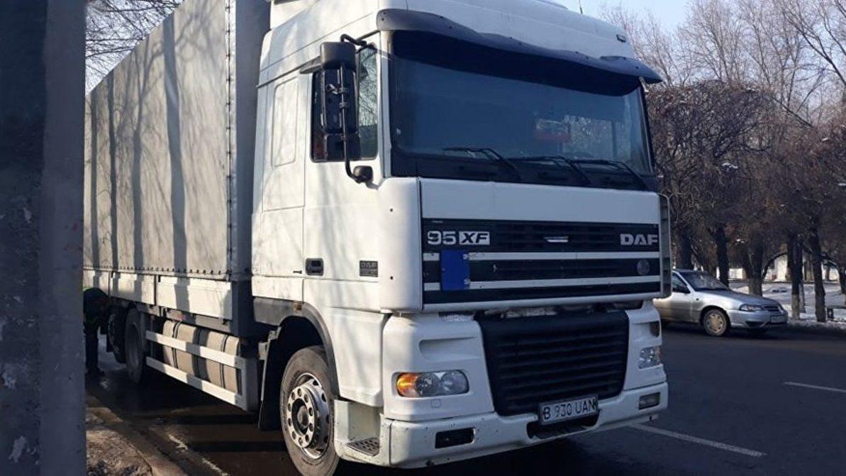300 метров протащил сбитую женщину грузовик в Алматы