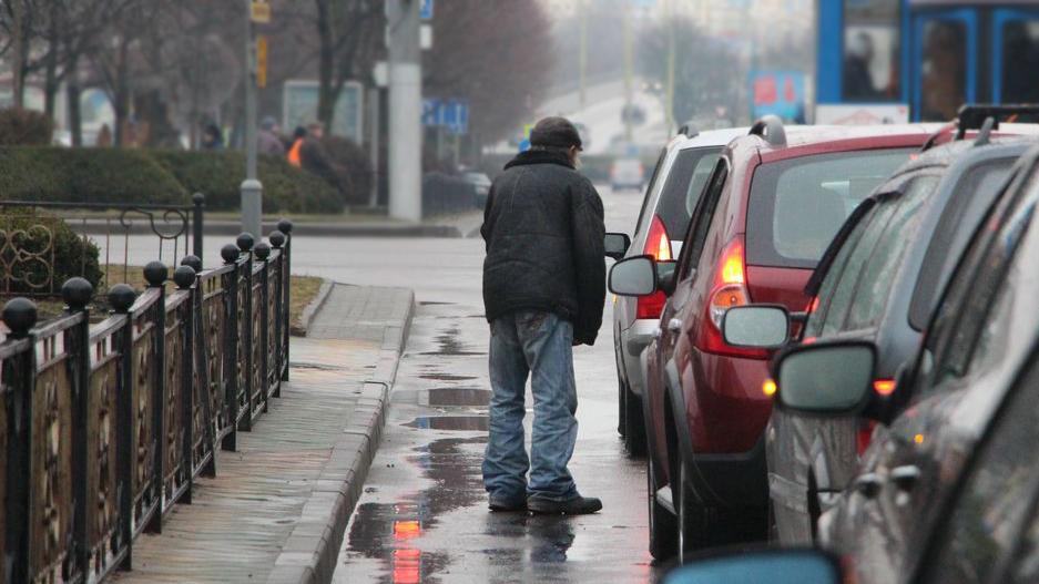 Как очистить перекрёстки и улицы от попрошаек, придумал мажилисмен
