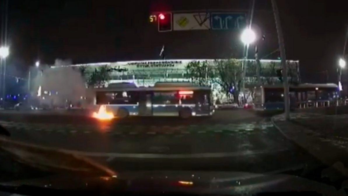 Автобус, работающий на газе, загорелся в Алматы