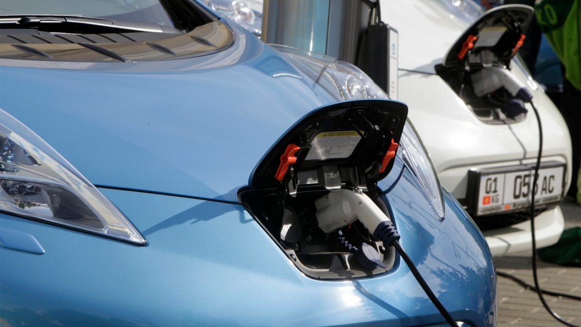 Электромобили освободили от сбора за регистрацию в Кыргызстане