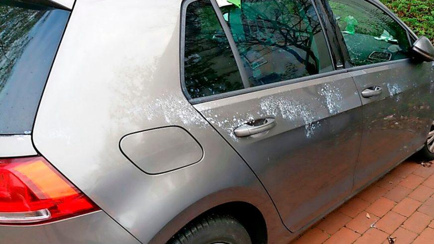 «Клеевой маньяк» атакует машины вГермании