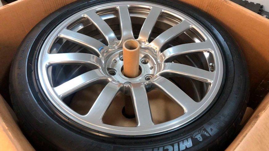 Комплект колёс за $100 000