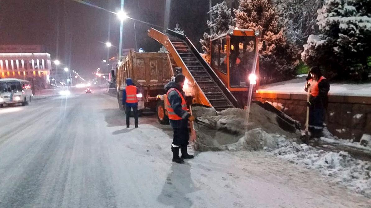 Дождь со снегом осложнили жизнь автомобилистам Алматы и области