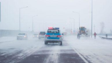 Метели, морозы и снегопады накроют сегодня казахстанские трассы