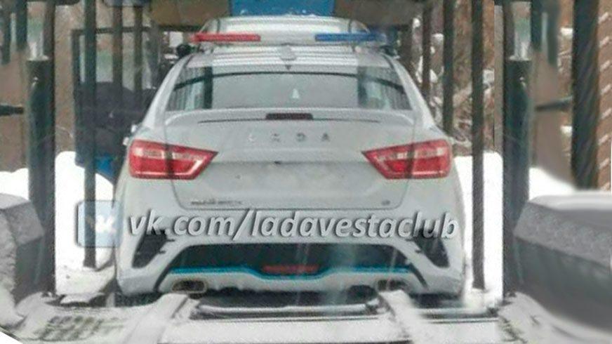 Lada Vesta Sport отправили служить в полицию