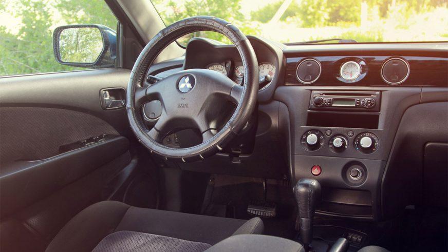 2003 год — Mitsubishi Outlander первого поколения
