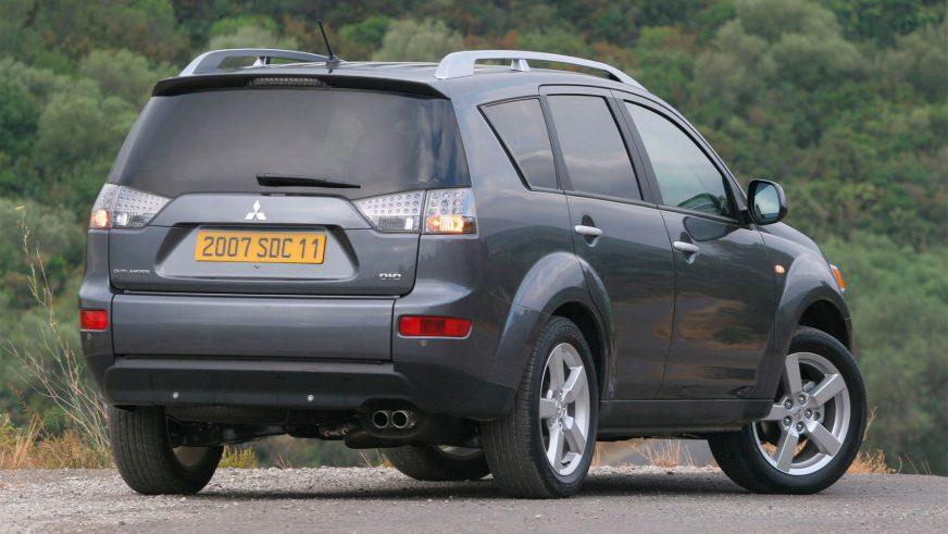 2007 год — Mitsubishi Outlander второго поколения
