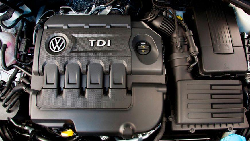 Volkswagen Golf - 2015 - двигатель