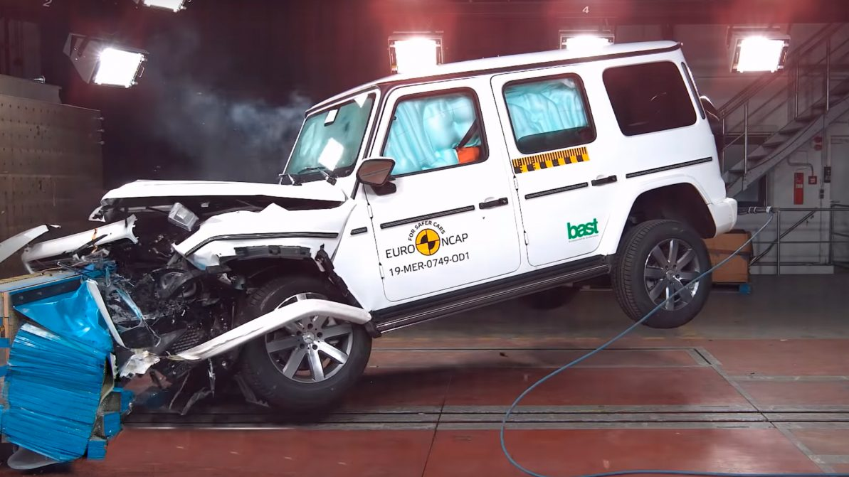 EuroNCAP разбил Gelandewagen: держи пять, бро!