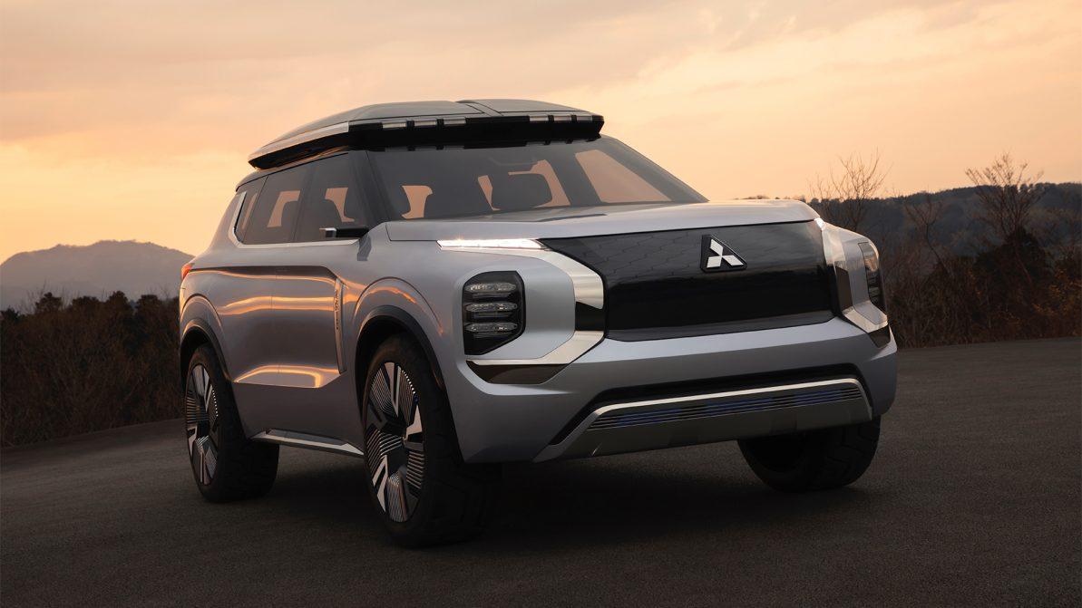 Mitsubishi намекнула на внешность нового Outlander