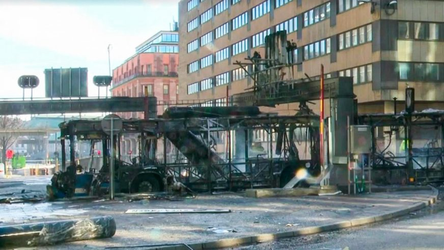 Рейсовый автобус взорвался в центре Стокгольма