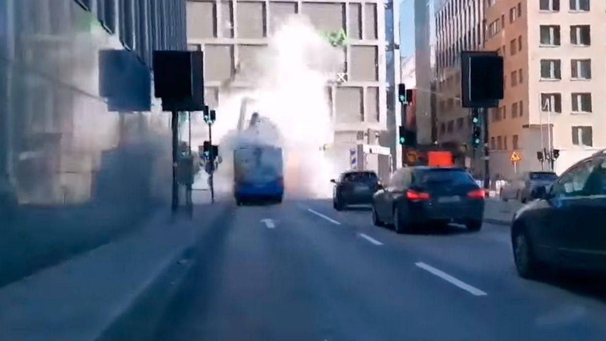 Появилось видео взрыва автобуса в Стокгольме