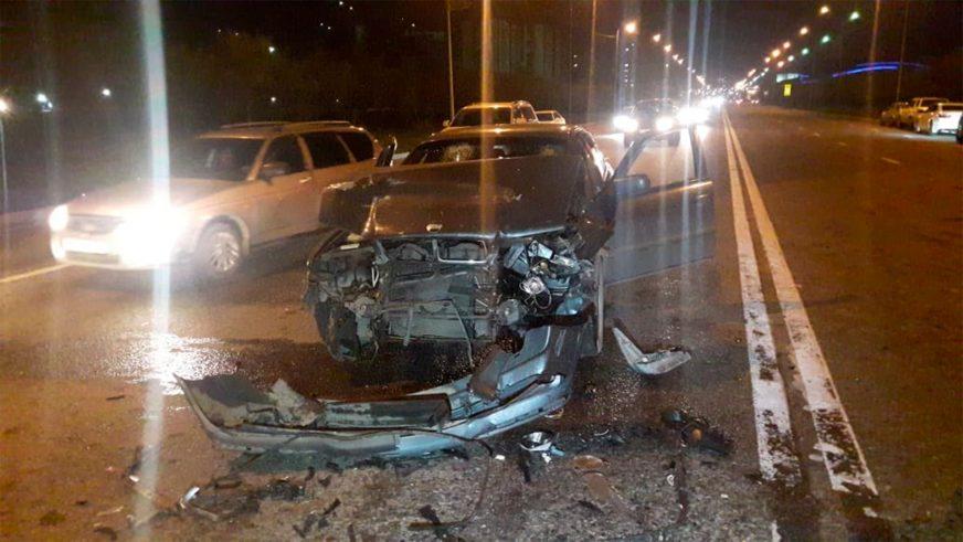 Два человека пострадали в массовой аварии в Алматы