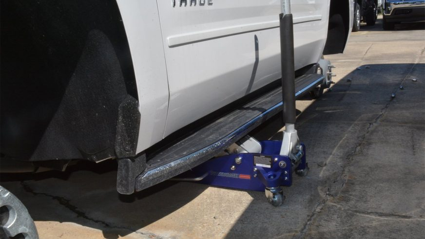 124 колеса сняли с автомобилей Chevrolet на дилерской парковке в США