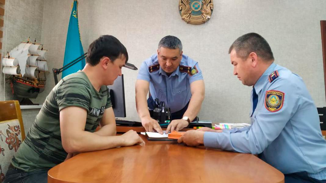 Шымкентского «танкиста» нашли и погрозили пальцем
