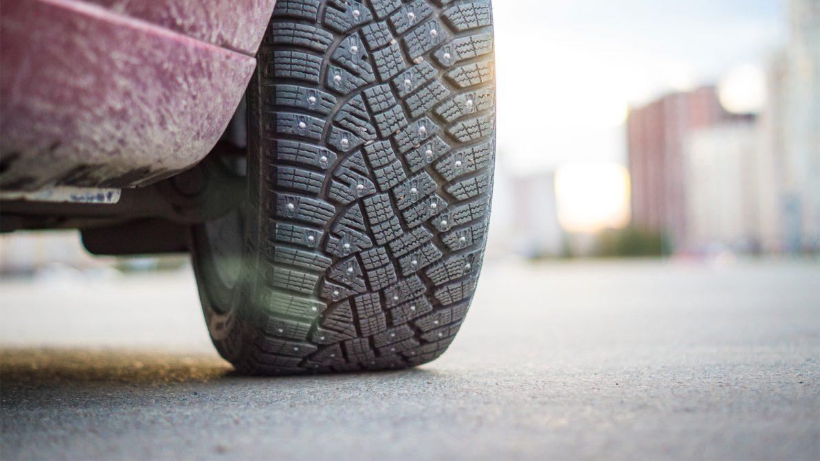 В России предложили ограничить скорость для машин на шипах