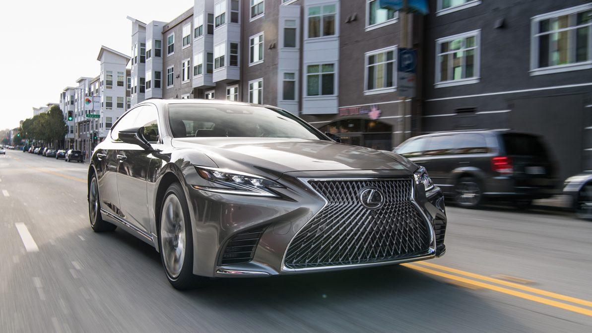 Lexus отзывает LS из-за покрышек run-flat