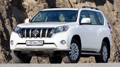 Двух иностранцев подозревают в угоне Toyota Land Cruiser Prado в Алматы
