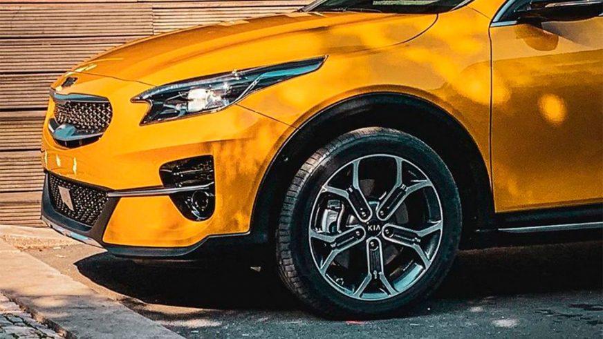 Первое официальное фото приподнятого Kia XCeed