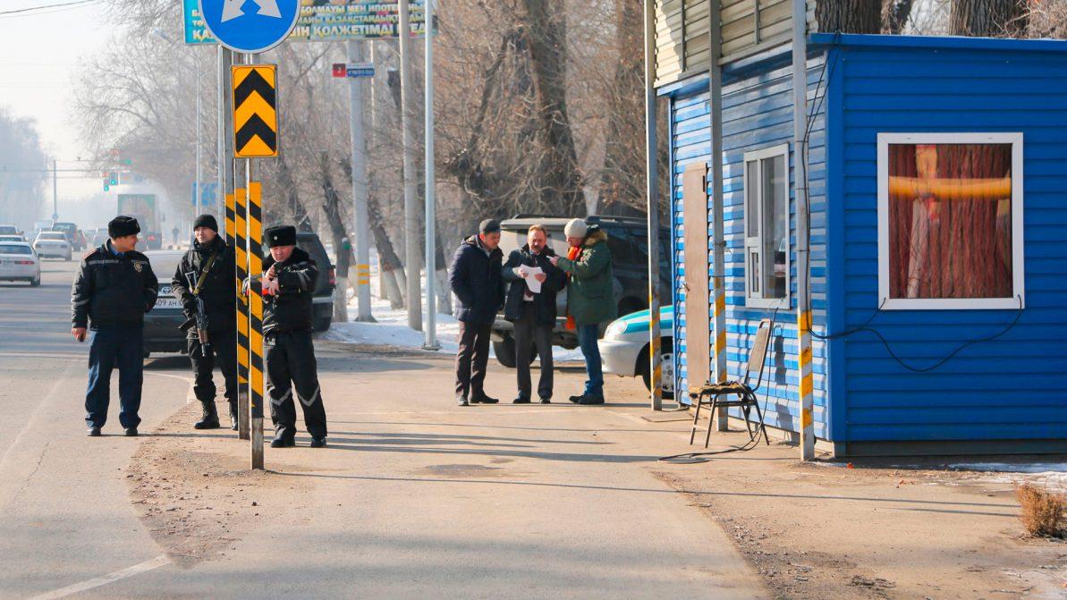 Экопосты вокруг Алматы убирать не станут