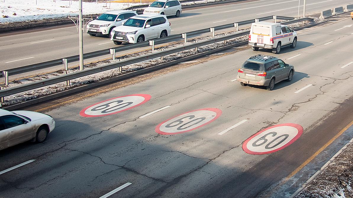 60 км/ч на ВОАД, Аль-Фараби и Саина – пешеходов сбивают реже