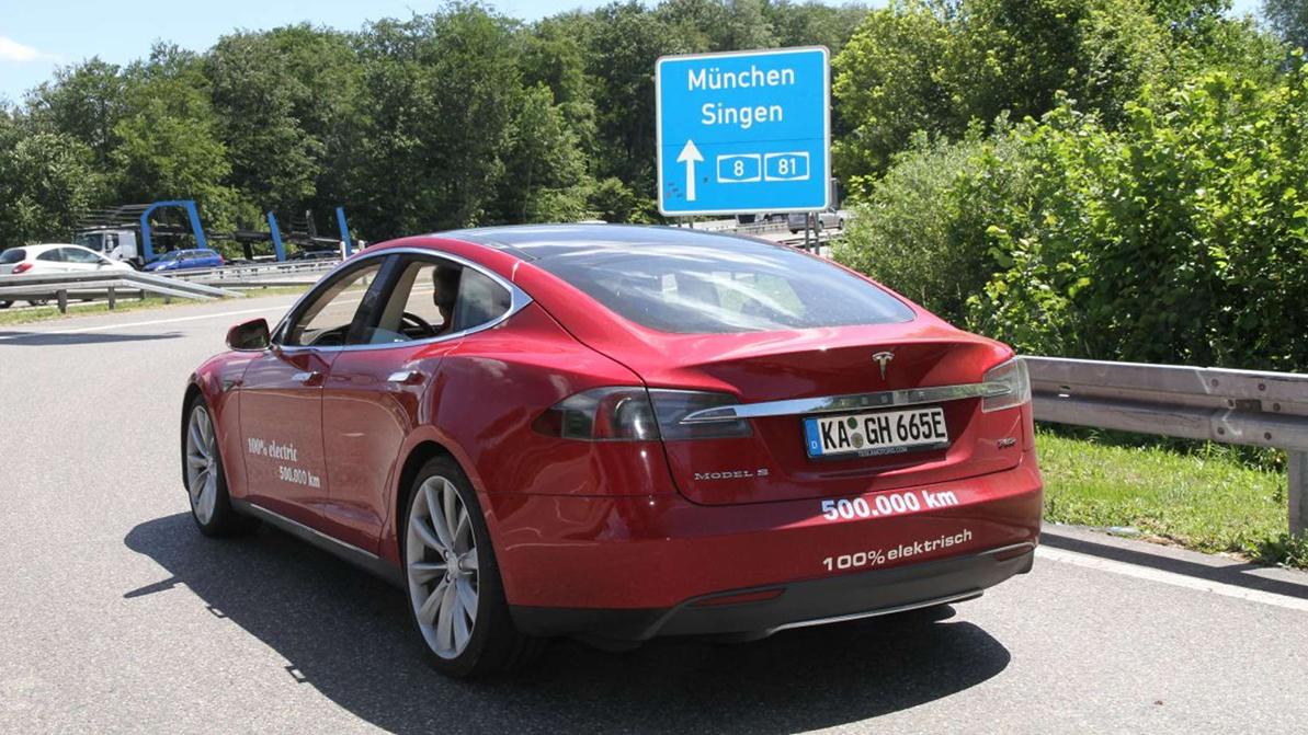 Первая Tesla-миллионник на подходе