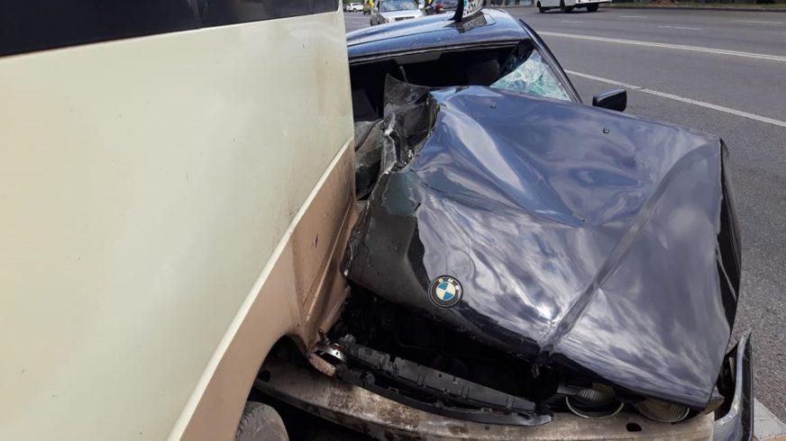 BMW влетела под автобус с детьми в Алматы