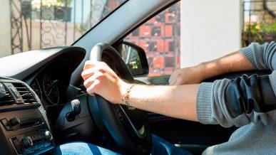 Можно ли на праворульном авто работать в такси?