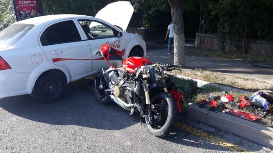 Алматыда Ducati Panigale мен Nexia R3 соқтығысты