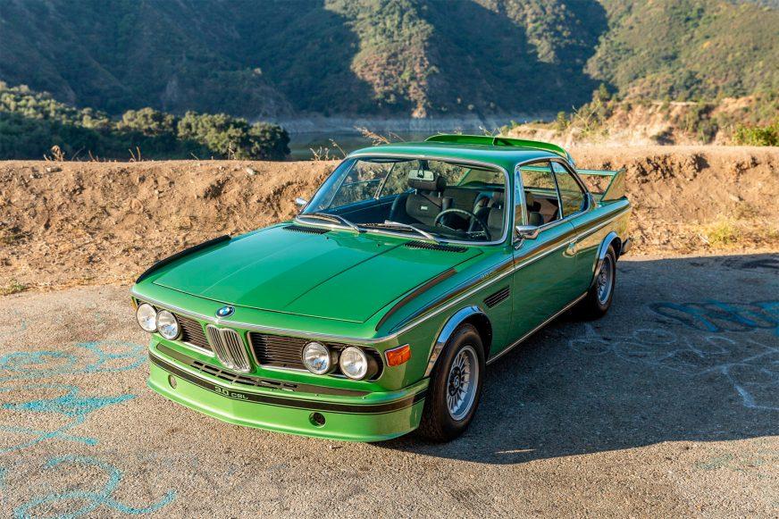 Бэтмобиль BMW выставили на продажу