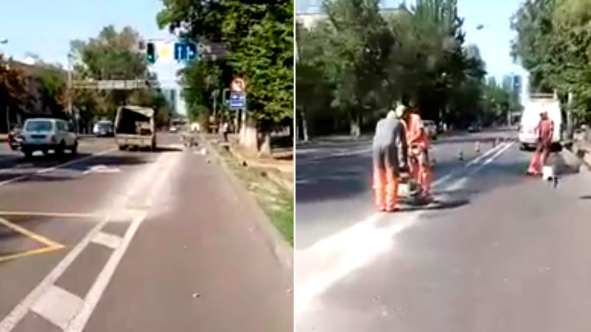 На улице Кунаева начали демонтаж велодорожки
