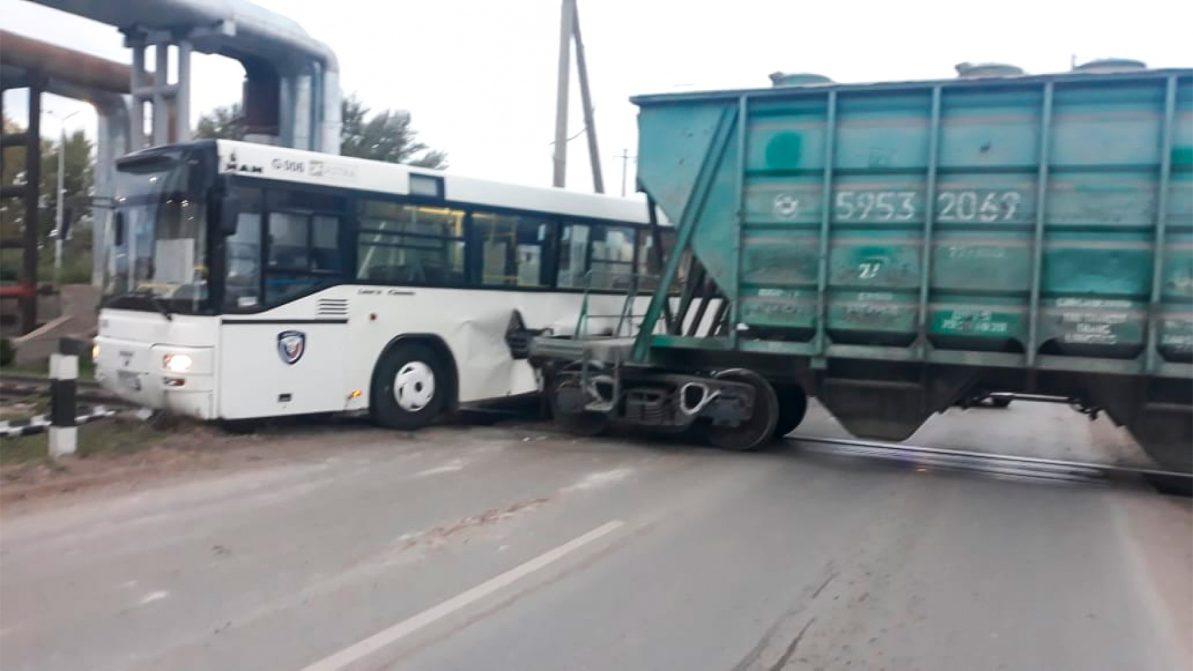 Ужесточить ответственность за нарушения правил пересечения ж/д путей могут в Казахстане