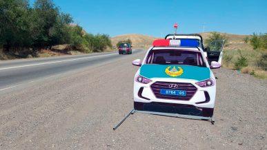 Макеты патрульных Hyundai ставят на трассах в Алматинской и Жамбылской областях