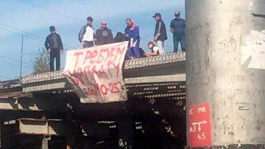 На забастовку вышли строители одной из развязок в Алматы