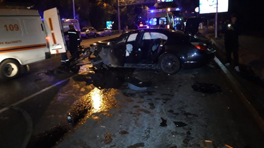 Два человека погибли в крупном ДТП в Алматы
