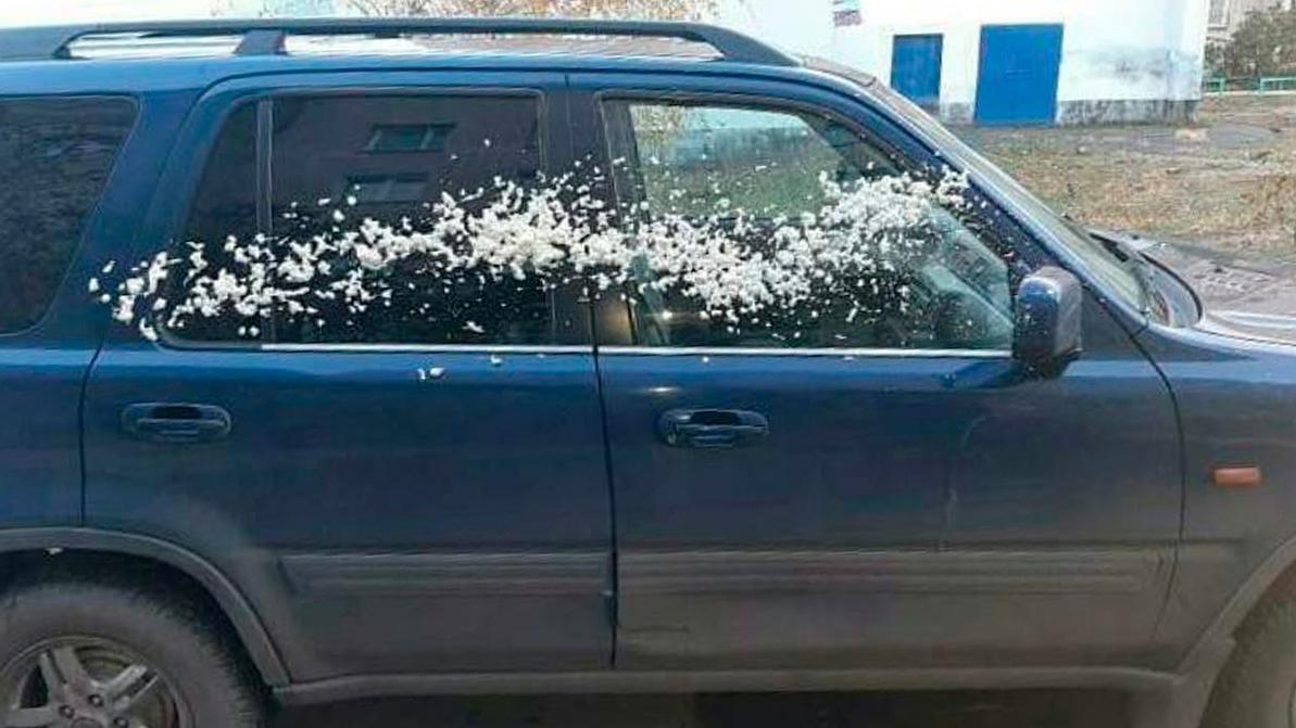 Монтажной пеной залил более десятка авто подросток в Петропавловске