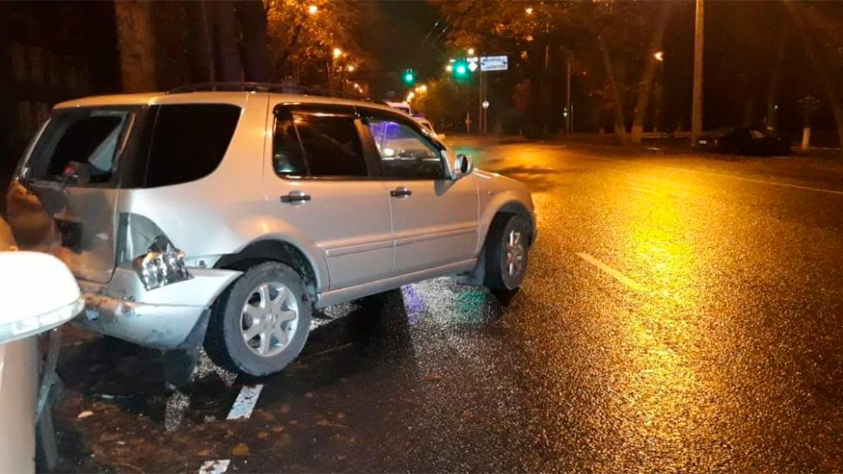 Массовую аварию спровоцировал водитель такси в Алматы