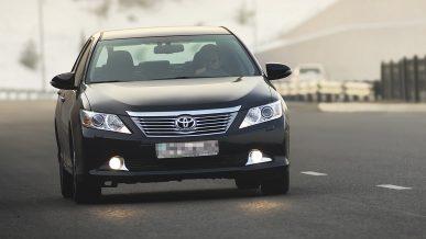 Toyota Camry 50 угнали «покупатели» у жителя Атырау