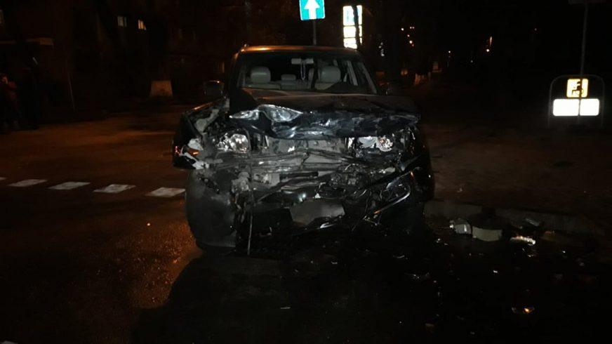 Два Toyota Land Cruiser столкнулись в Алматы
