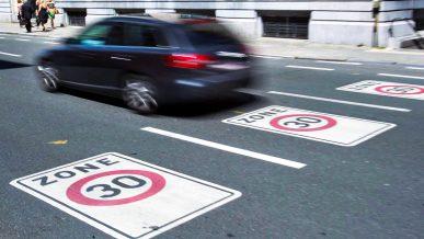 Брюссель ограничил скорость до 30 км/ч