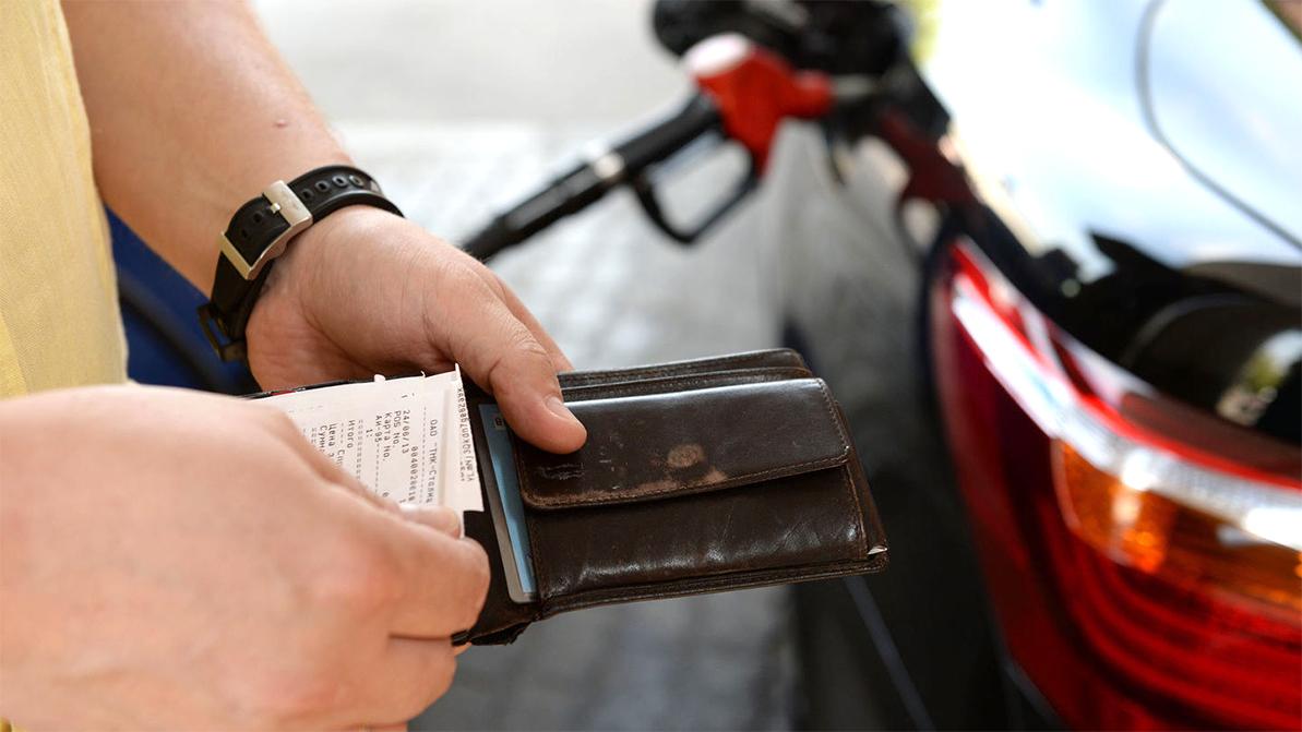 Подорожание бензина на 10 тенге из-за увеличения акцизов обсудили министры и парламентарии РК