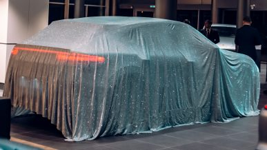 В Алматы приехал Porsche Cayenne Coupe