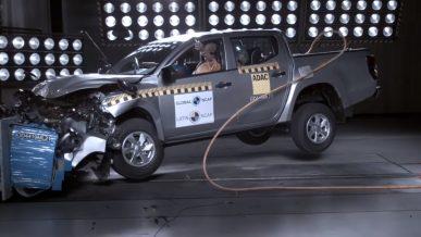 Mitsubishi L200 провалил краш-тест