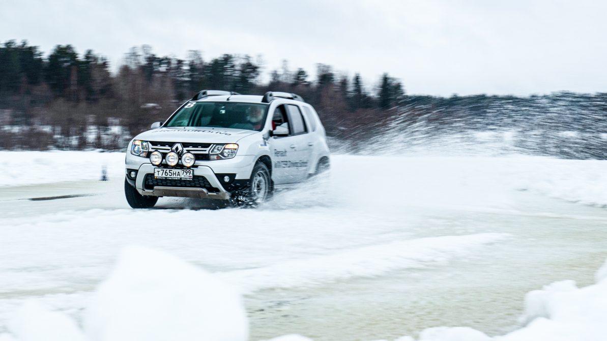 Учимся ездить по льду