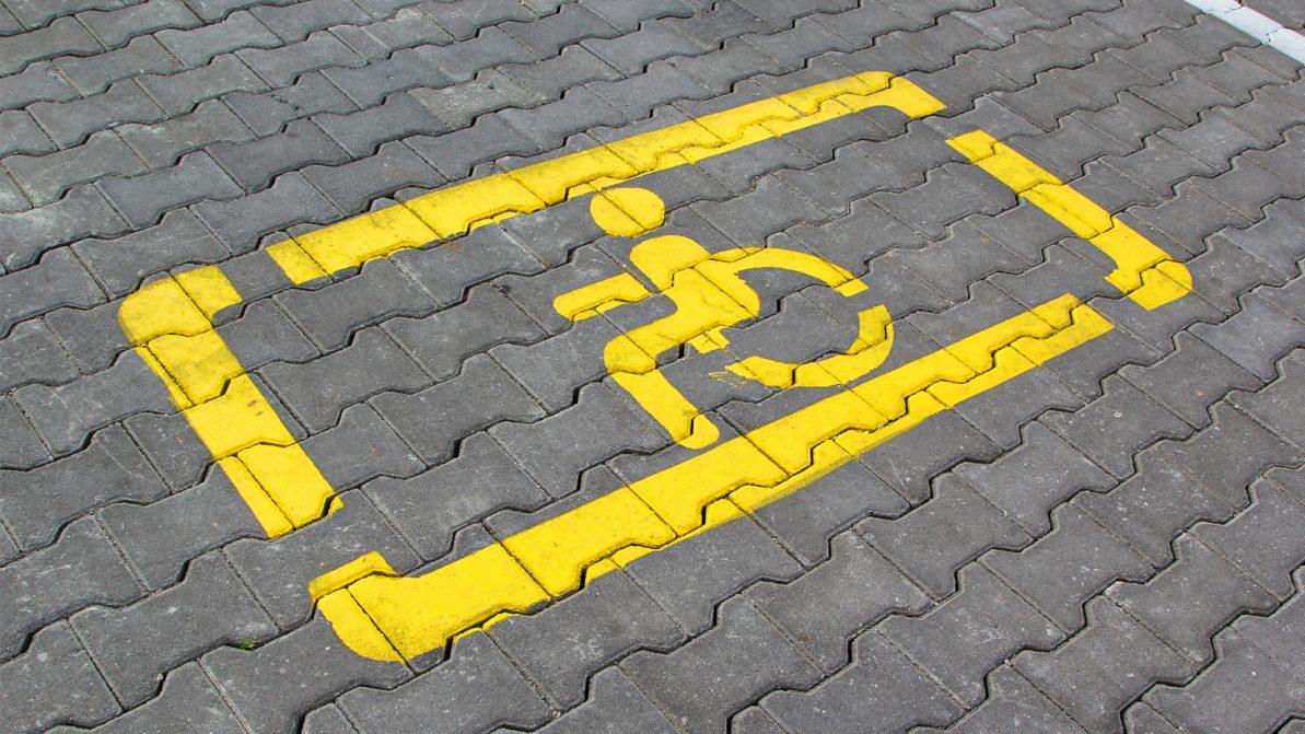 Прокуратура отменила незаконные штрафы за парковку для инвалидов