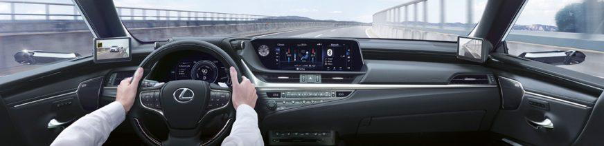 Европейский Lexus ES лишили зеркал заднего вида
