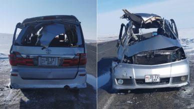 Toyota Alphard опрокинулся на трассе. Двое погибли